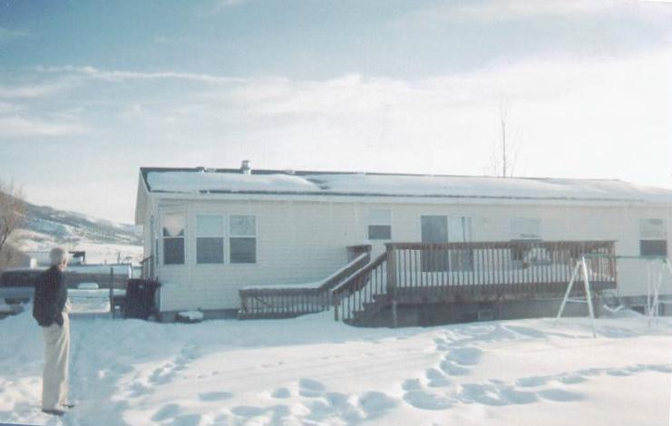 Manufactured Home with Short and Close Flues